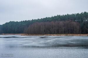 Jezioro Kłuchówiec Chojno fot. Tomasz Koryl / www.relacje-fotograficzne.com